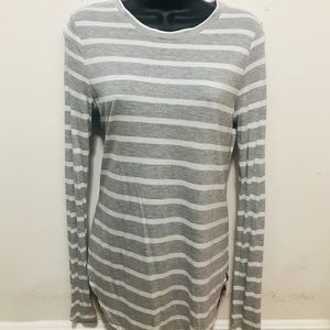 Soft heather grey and white top